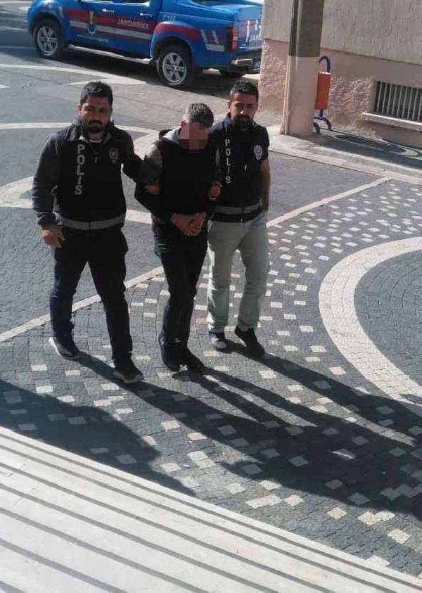 Konya'da dolandırıcı suçüstü yakalandı