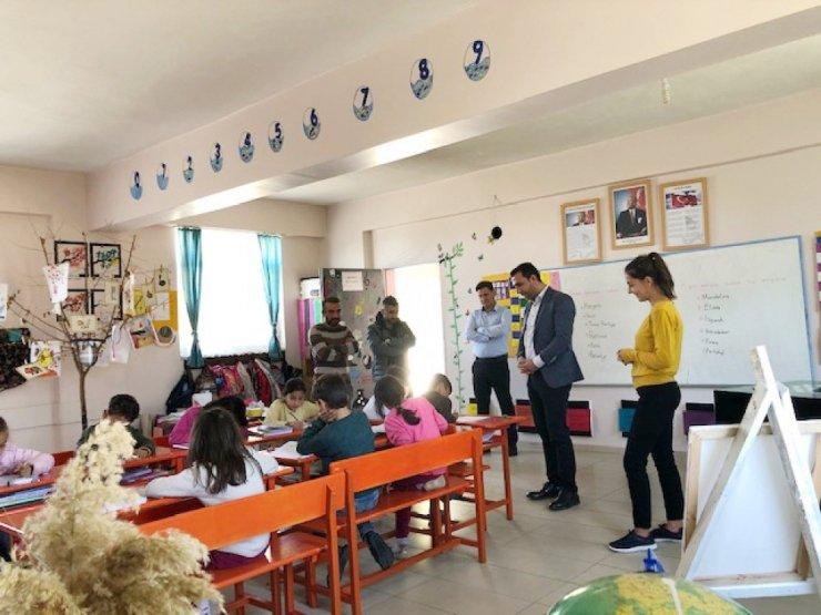Silvan Milli Eğitim Müdürü Aydın, köy okullarını ziyaret etti