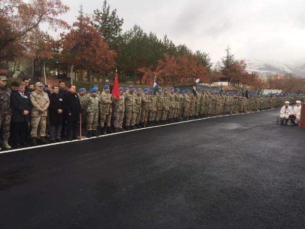 Şehit olan 2 asker için tören düzenlendi.