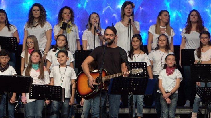 """""""Müsaadenizle Çocuklar"""" korosu şarkıları otizmli bireyler için seslendirdi"""