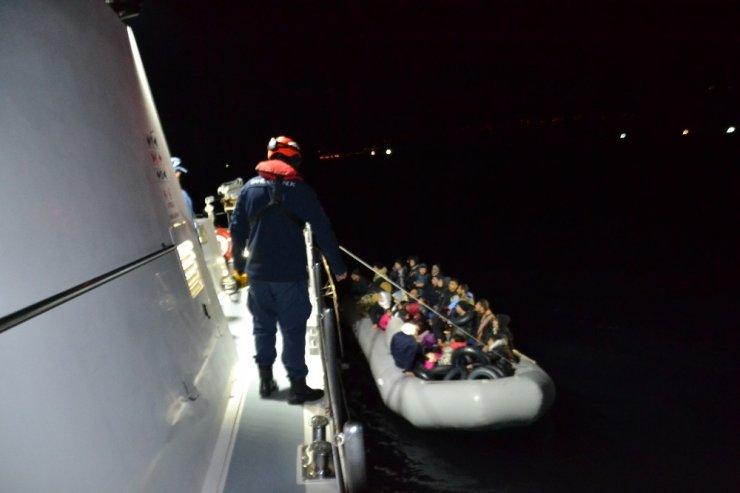 İzmir'de 80'i çocuk 216 düzensiz göçmen yakalandı