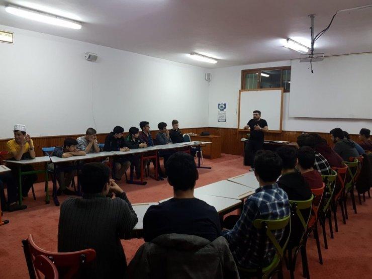 Kur'an kursunda sosyal medya eğitimi
