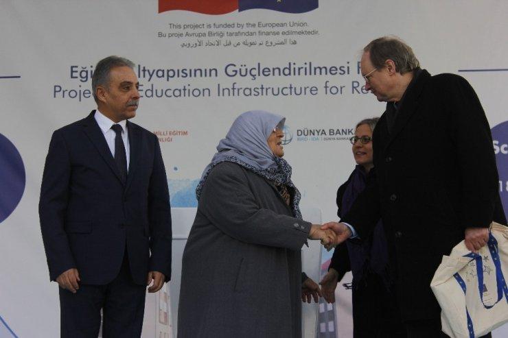 AB Delegasyon Başkanı Berger Konya'da okul açılışına katıldı