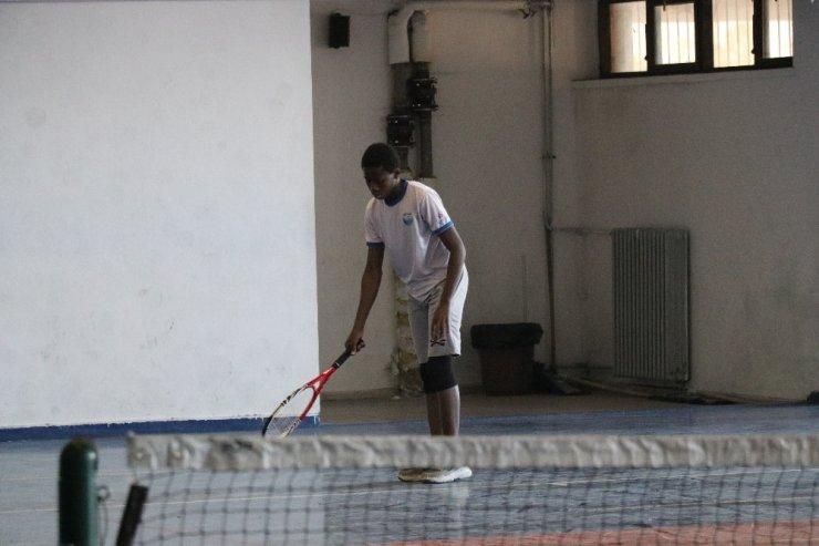 Tenis Heyecanı Tüm Hızıyla Devam Ediyor