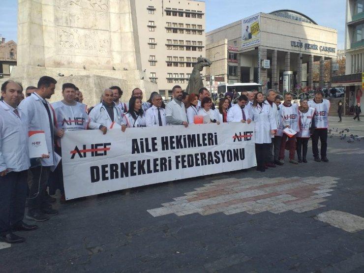 """Aile Hekimleri Dernekleri Federasyonundan """"sağlık çalışanlarına şiddet"""" açıklaması"""