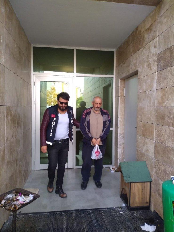 Antalya'da 4 iş yerinden telefon çalan zanlı tutuklandı