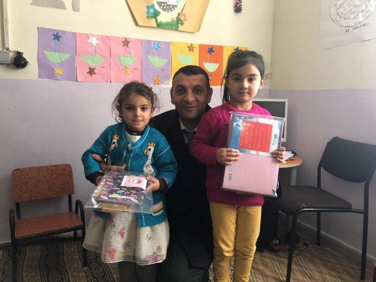 ASTOP'tan köy okullarına kırtasiye yardımı