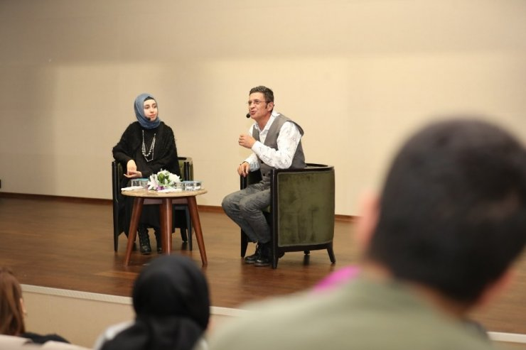 """""""Sahnede Bir Ömür"""" söyleşilerinin konuğu oyuncu Cengiz Küçükayvaz oldu"""
