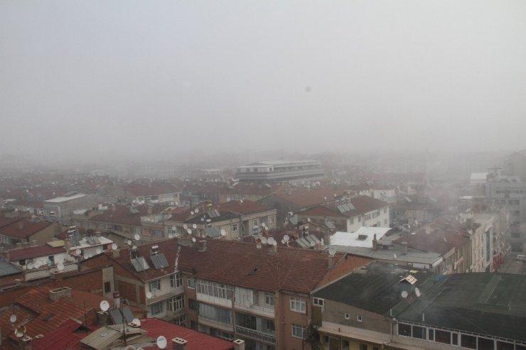 Elazığ'da 3 gündür devam eden yoğun sis hava ulaşımını da etkiliyor