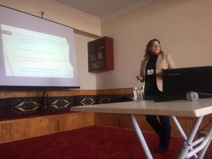 Aşkale'de 'Akademik Başarıyı Artırmanın Yolları' konferansı düzenlendi