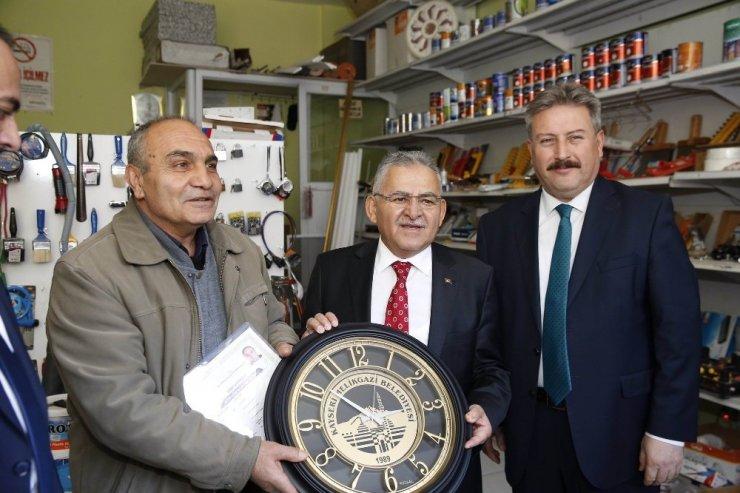 Başkan Palancıoğlu İldem Esnafını Gezdi, Ruhsat Verdi