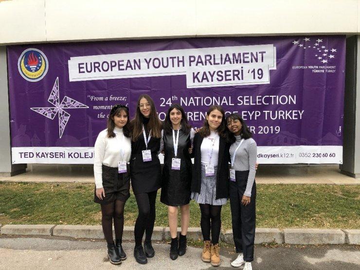 GKV'liler Ulusal Seçim Konferansında