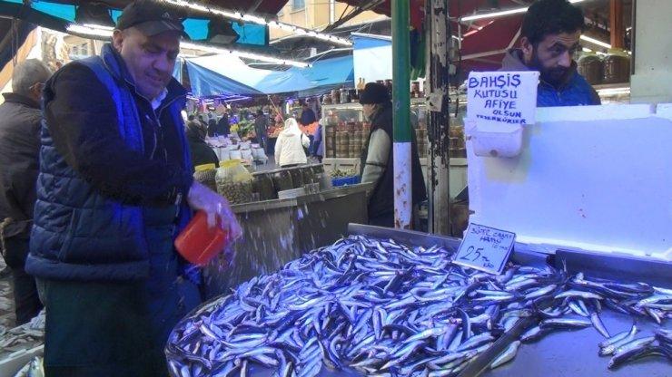 Sıcak havalar balık tezgahlarını vurdu