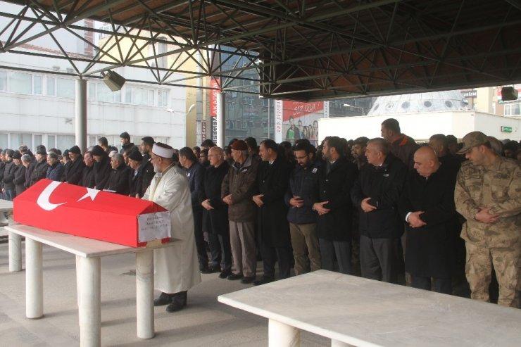 Hayatını kaybeden polis memuru, memleketi Elazığ'da son yolculuğuna uğurlandı