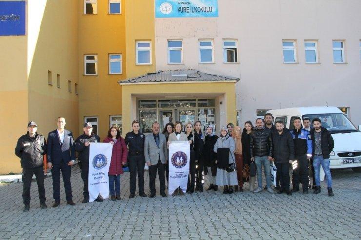 Emniyet Müdürlüğü, 80 öğrencinin kişisel bakımlarını yaptı