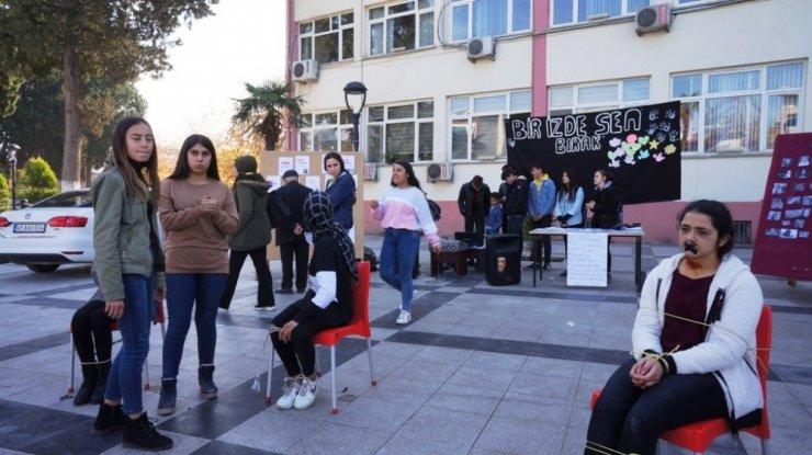 Sarıgöllü öğrenciler kadına yönelik şiddete dikkat çekti