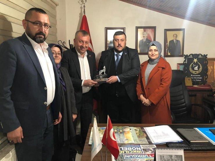 Başkan Aydın, Ülkü Ocaklarını ziyaret etti