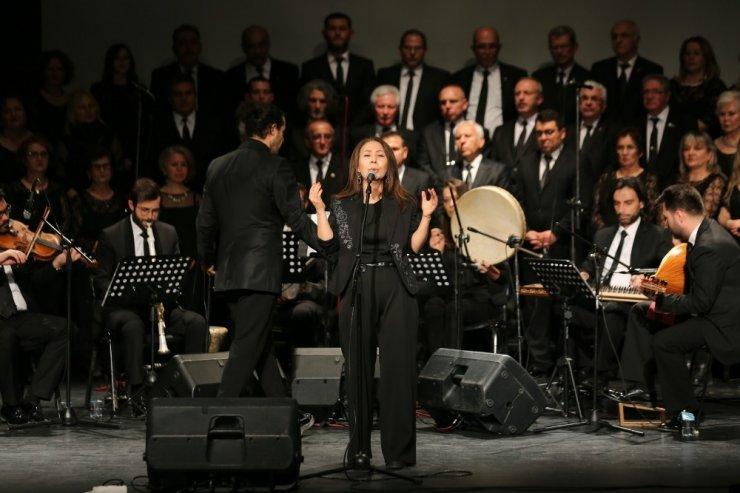Türk Müziği Korosu dinleyenleri mest etti