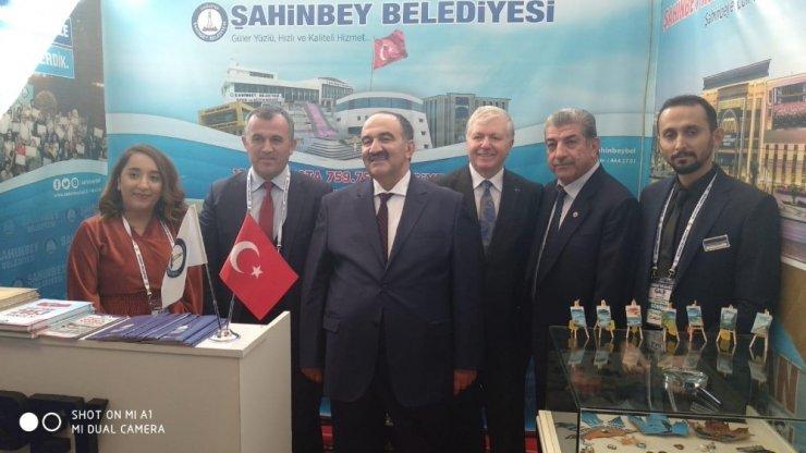 Şahinbey Belediyesi'nin GAİF standına yoğun ilgi