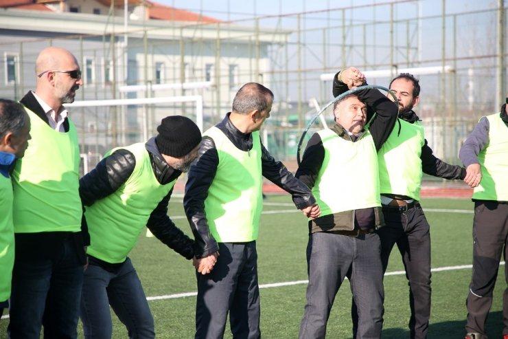 Okul müdürleri geleneksel spor oyunları ile motive oldular