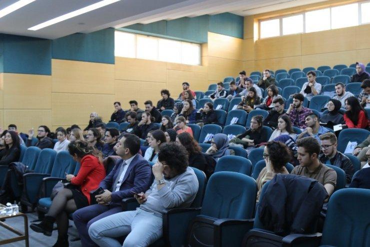 'Bir Hayat Bir Hayal Kur' konferansı SAÜ'de düzenlendi