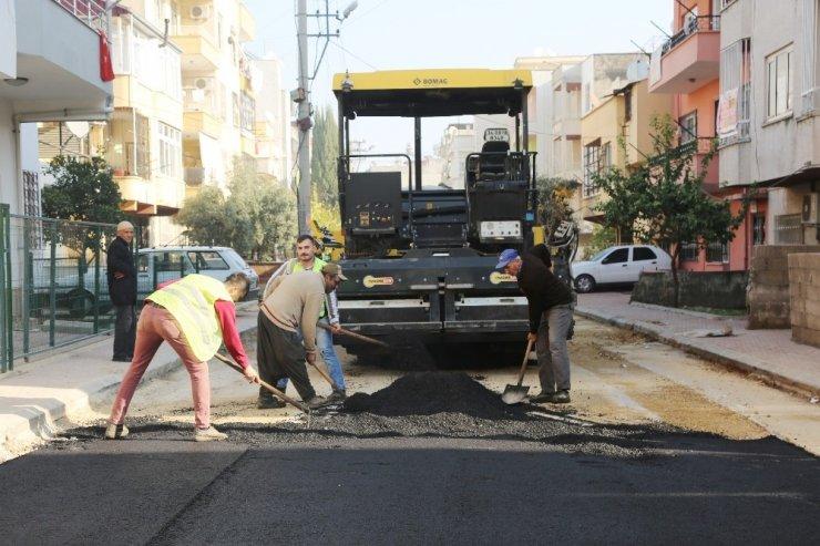 Toroslar'da asfalt çalışmaları aralıksız sürüyor
