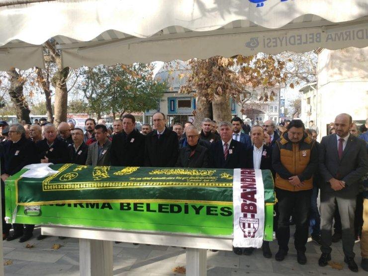 Yönetmen Tunç Başaran Bandırma'da toprağa verildi