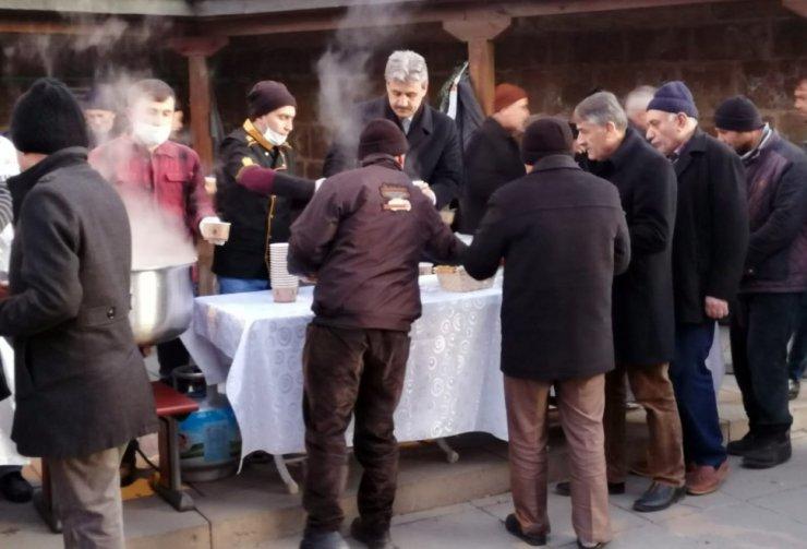 Başkan Köse'den Cami Cemaatine Çorba İkramı