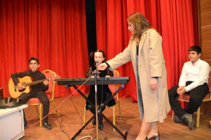 Öğrencilerden müzik şöleni