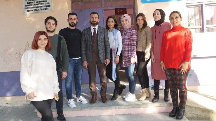 Burhaniye'de eğitim üniversiteli gençlerle renklendi