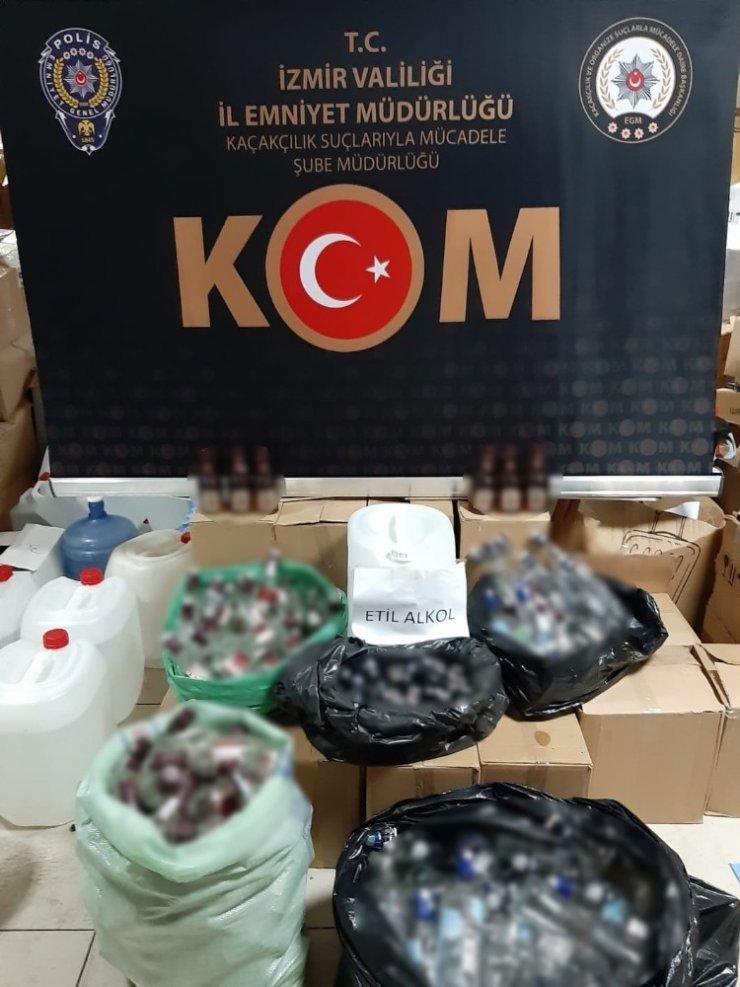 İzmir'de kaçakçılık operasyonları: 4 kişi gözaltında