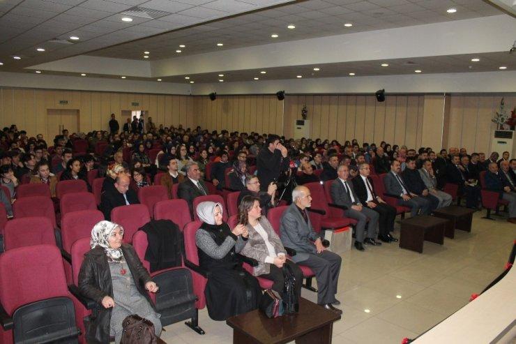 Dışişleri Bakan Yardımcısı Faruk Kaymakçı Tosya'da konferans verdi