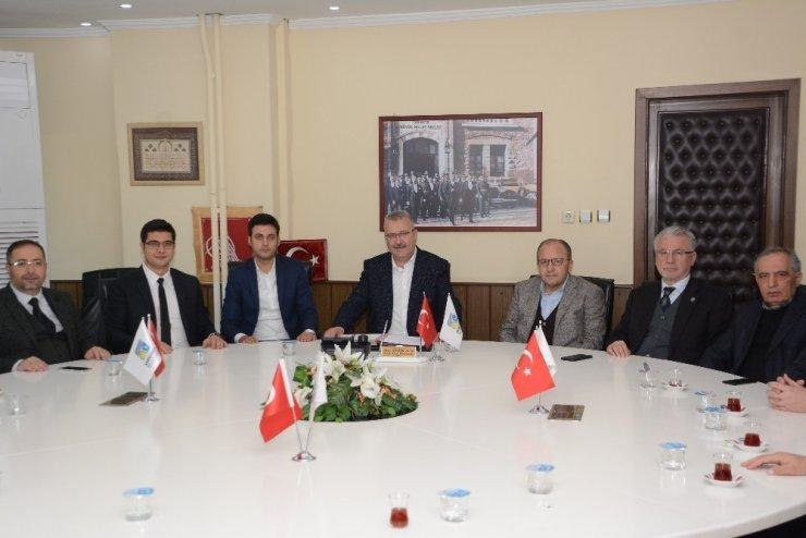 Karacabey Belediyespor'un forma göğüs sponsoru BELKAR oldu