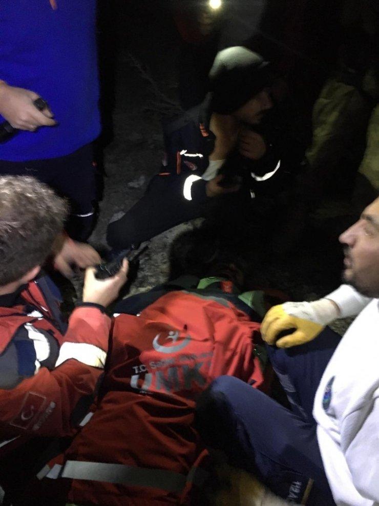 Dağdan düşen bisikletli kurtarıldı
