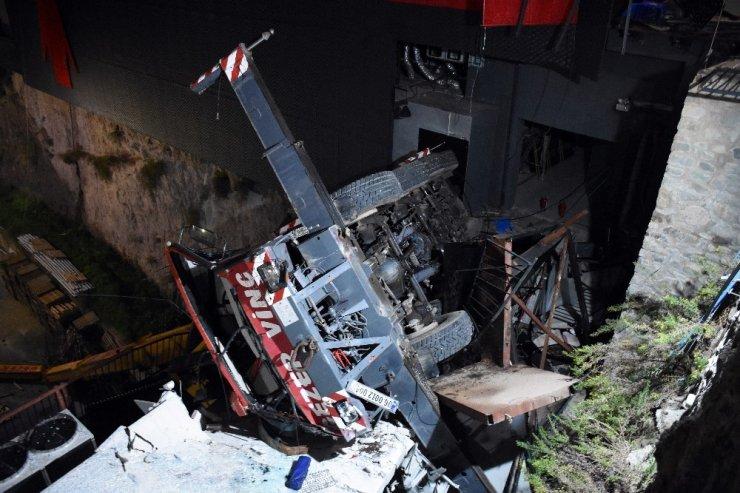 Bodrum'daki vinç kazası güvenlik kameralarına böyle yansıdı