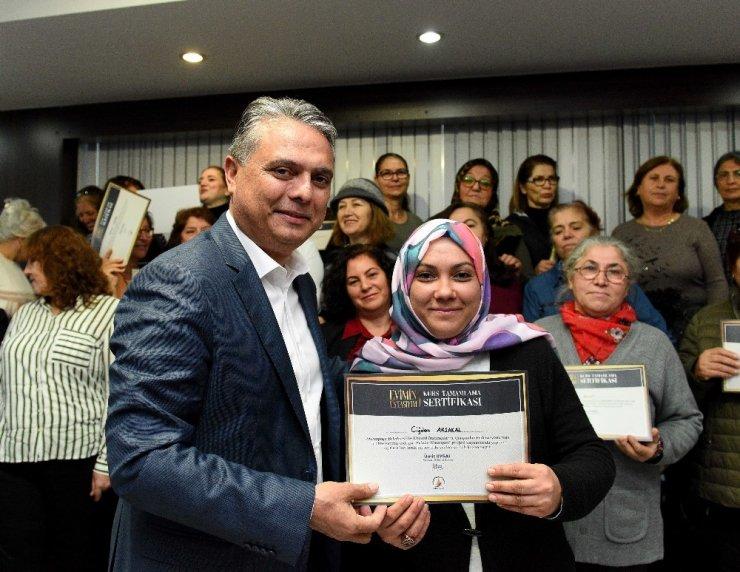 Evinin ustası kadınlar sertifikalarını aldı