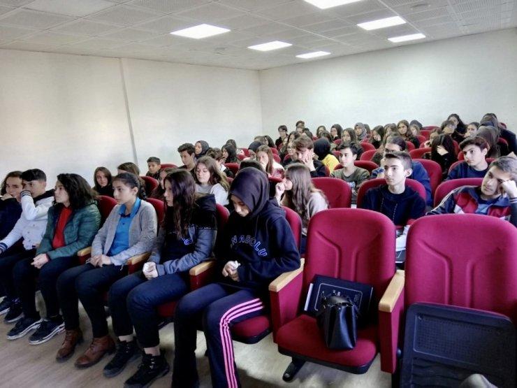 """Öğrencilere """"İlkyardım Farkındalık Eğitimi"""" verilmeye başladı"""