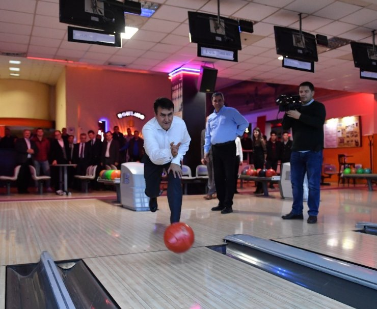 Osmangazi ailesi bowlingde buluştu