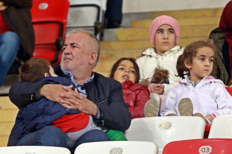 Süper Lig: Antalyaspor: 1 - MKE Ankaragücü: 0 (İlk yarı)