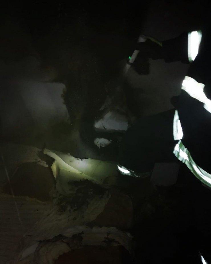 Van'da 2 ayrı yerde meydana gelen yangına itfaiye ekipleri müdahale etti