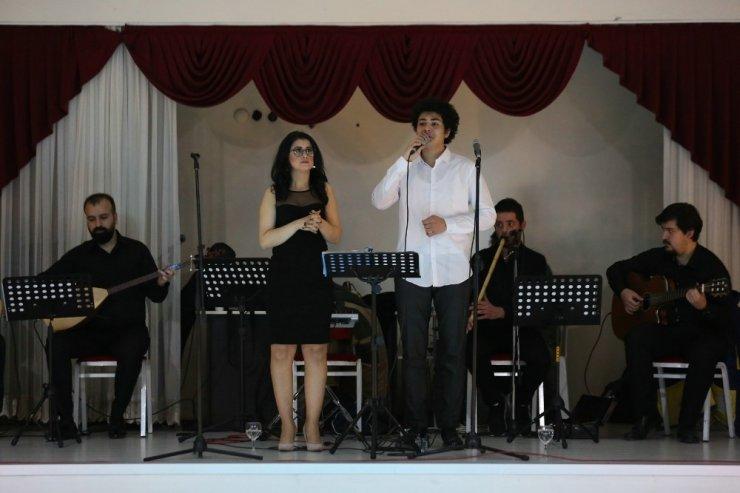 YKSM Ses ve Saz Sanatçılarından Emek Mahallesi'nde konser
