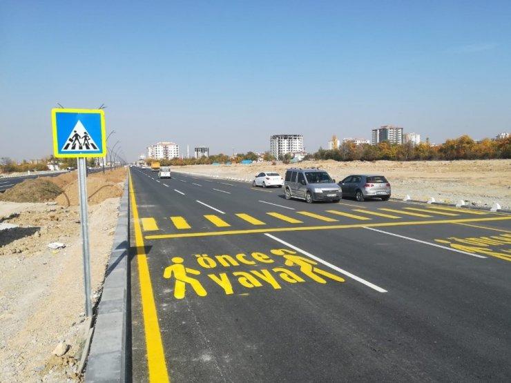 328 bin metre yol çizgi çalışması yapıldı