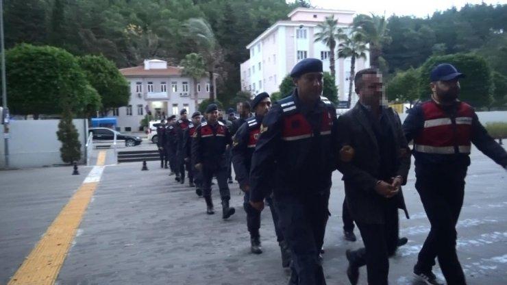 Antalya'da suç örgütü operasyonu: 8 gözaltı