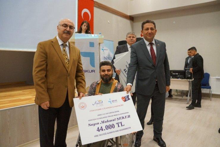 Aydın'da 26 engelli ve eski hükümlüye hibe çekleri teslim edildi