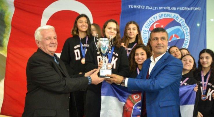 DPÜ'de düzenlenen Türkiye Sualtı Hokeyi Şampiyonası sona erdi