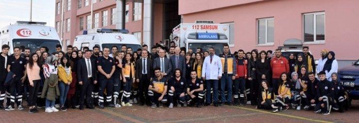 İlk ve acil yardımcılar 'Paramedik Haftası'nı kutladı