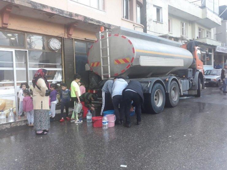 İzmirliler su kuyruğunda