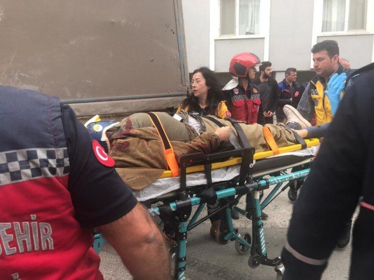 Freni patlayan kamyonet dehşet saçtı: 1 ölü, 1 yaralı