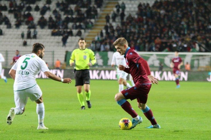 Süper Lig: Konyaspor: 0 - Trabzonspor: 1 (İlk yarı)
