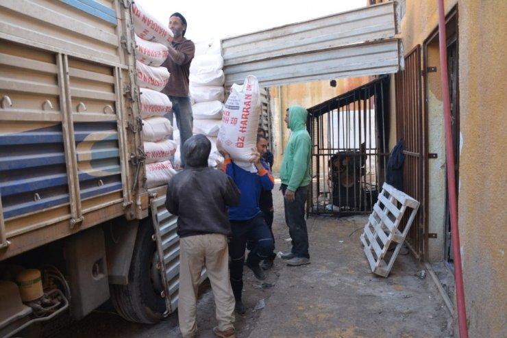 Telabyad'a hafta sonu 53 ton un yardımı yapıldı